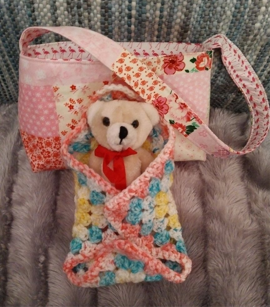 small-cotton-umbrellas-flamingos-bag-teddy-outside-blanket