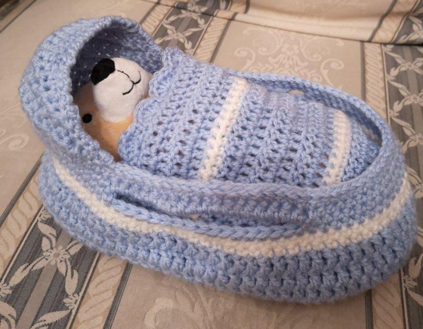 blue-moses-basket-a1