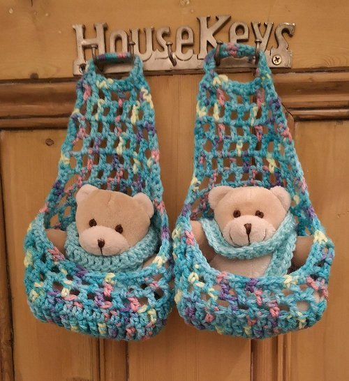 2-hanging-nest-for-teddy-turq-2-tog