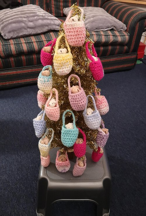 teeny-bags-on-tree-1-500